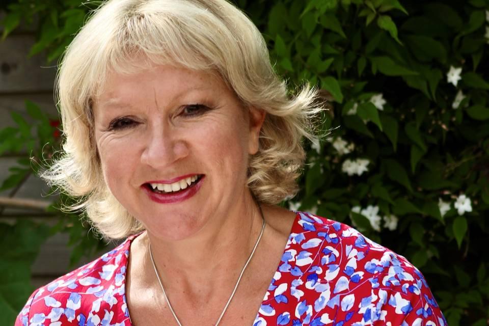 Professional Celebrant Julie Bisacre