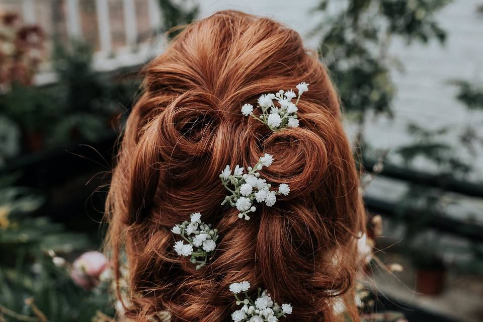 Hettie gypsophila hair pins
