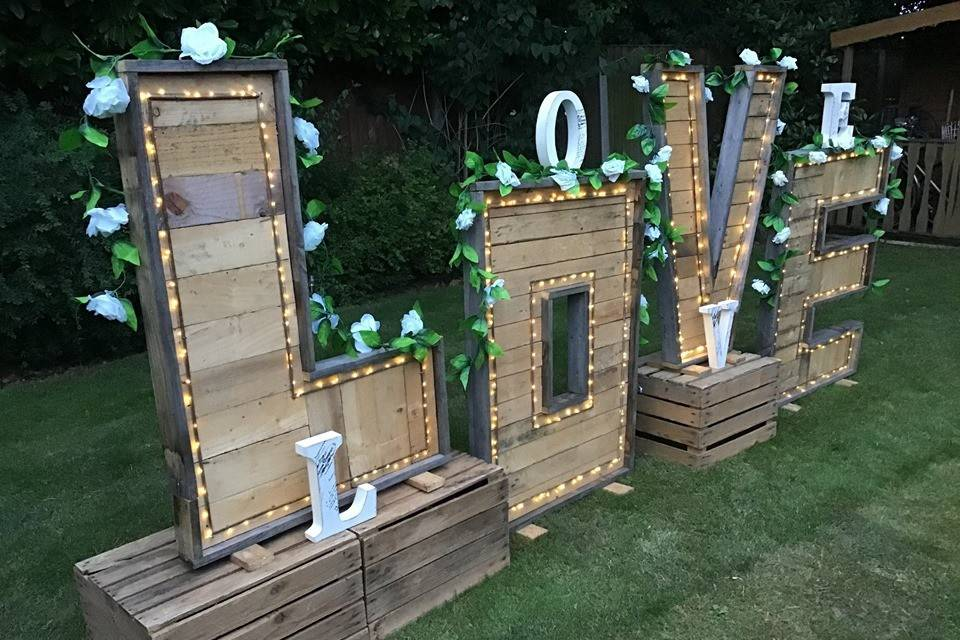 Lindsey's Lending Emporium - Wedding hire