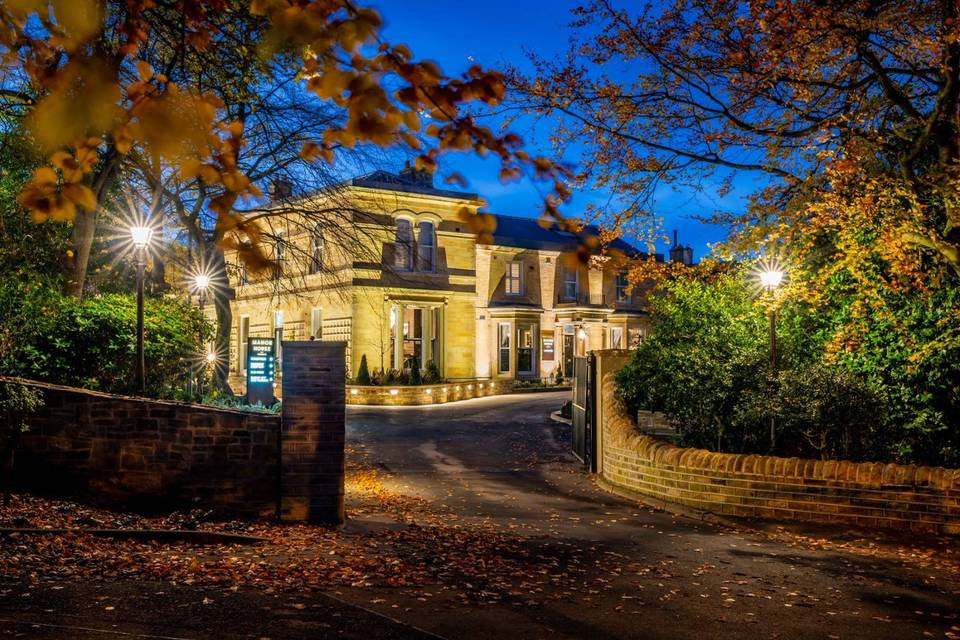 Manor House Lindley 38