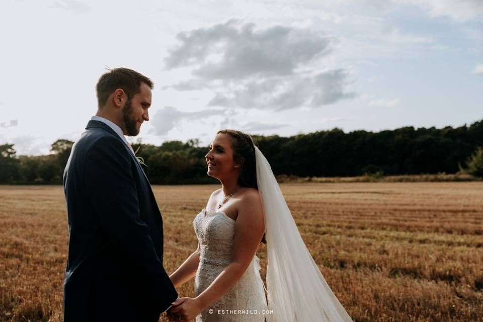Newlyweds in the Norfolk countryside