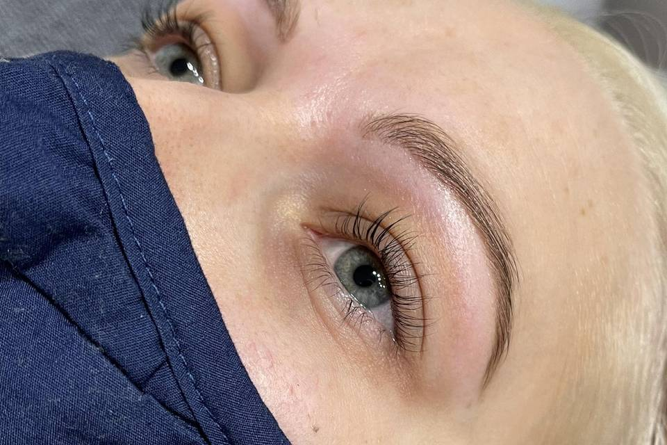 Lash lift and brow tidy and tint