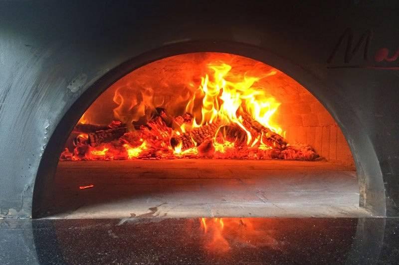 Carbones - Pizza