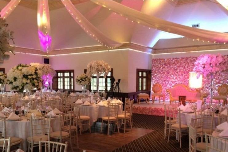 Lights and floral arrangements in the Taylor Suite
