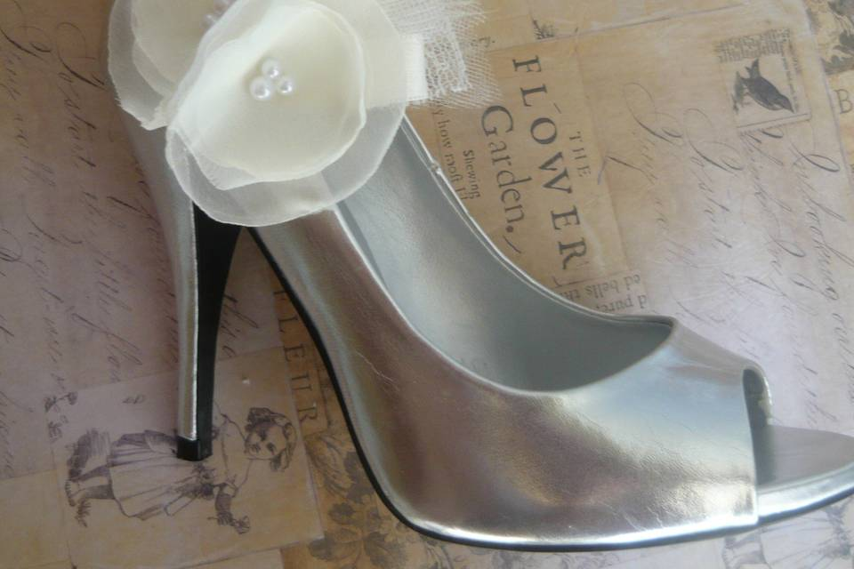 Double Organza with feather Shoe Clips