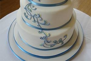 3 tier piped detailing
