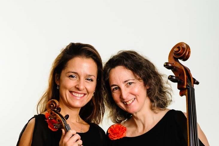 Saffron Strings duo