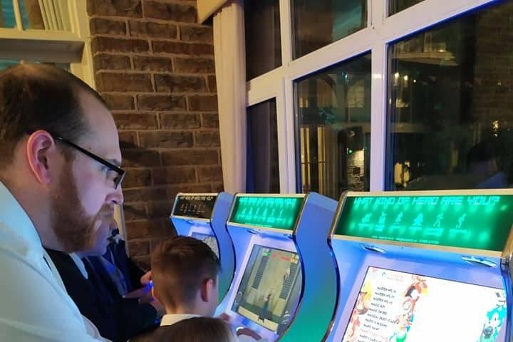 Retro arcade machine package