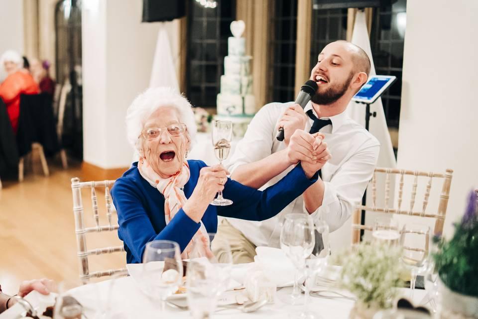 Singing waiter 2