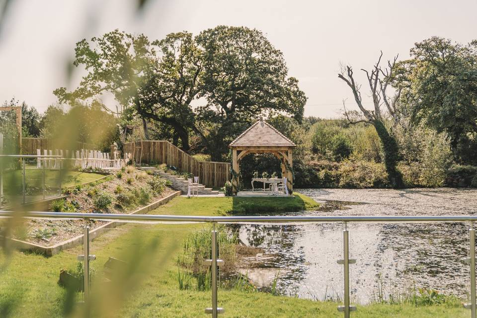 Outdoor ceremony at Oldwalls
