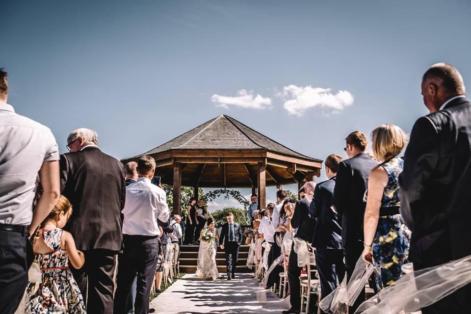 Alfresco ceremony