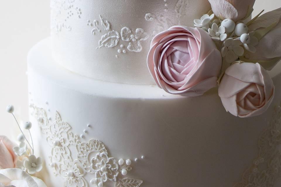 Delicate cake design