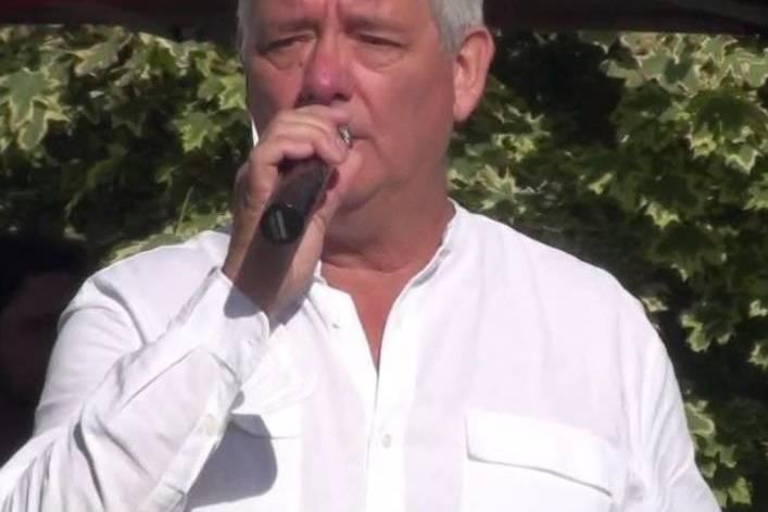 Mick Emblow Vocal Entertainer