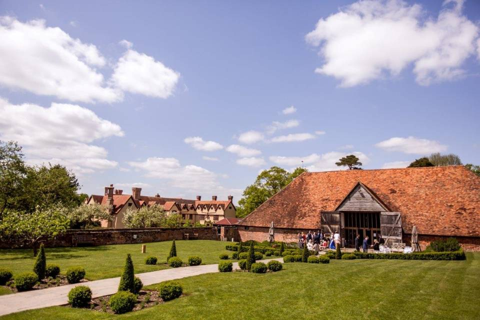 Ufton Court and the Tithe Barn