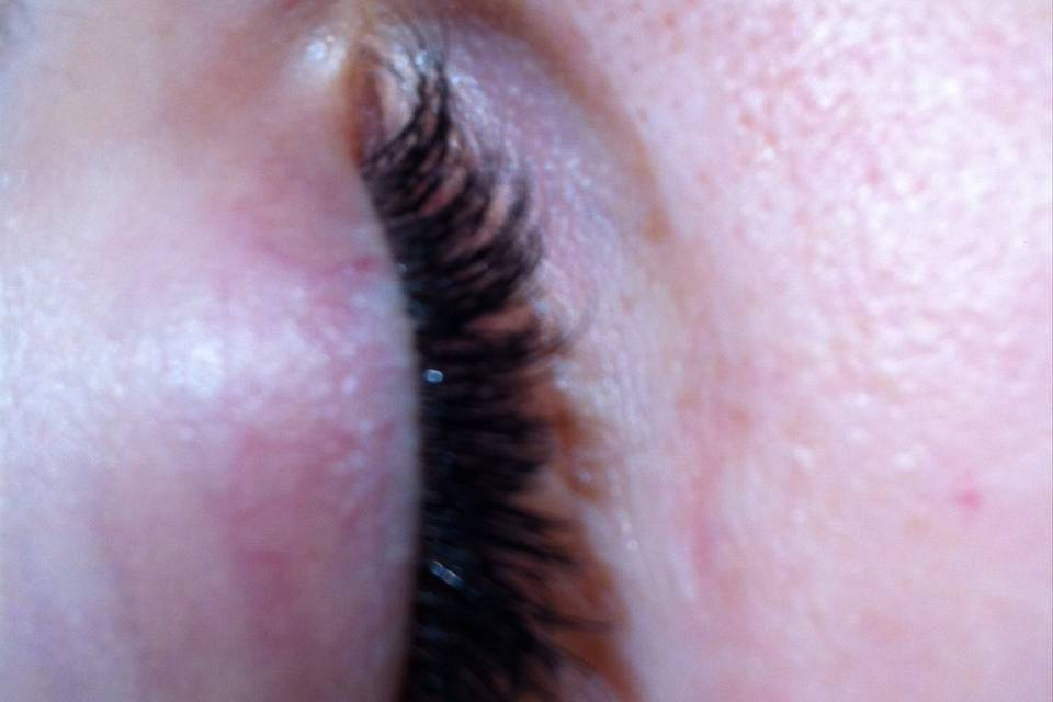 Long lashes for brides