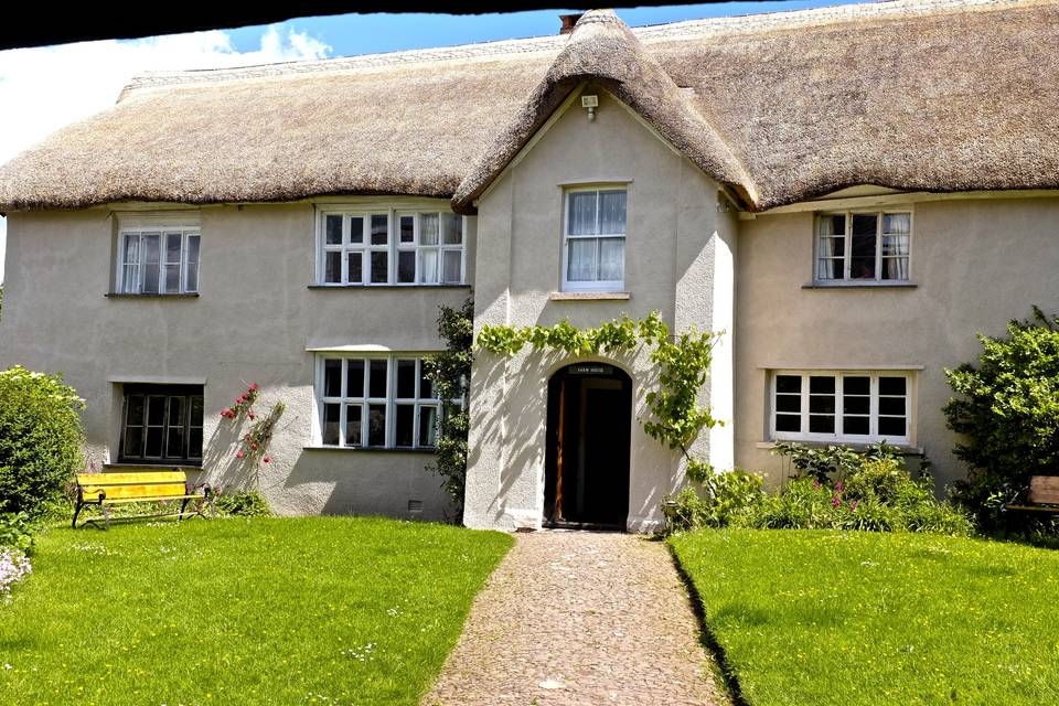 Middle Coombe Farmhouse 27