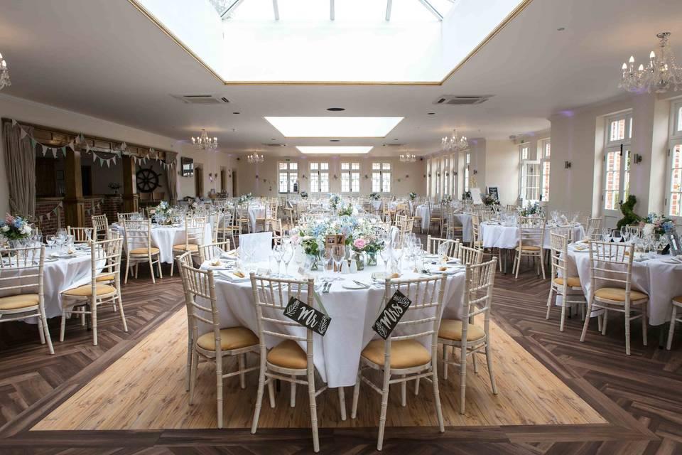 Elegant reception layout