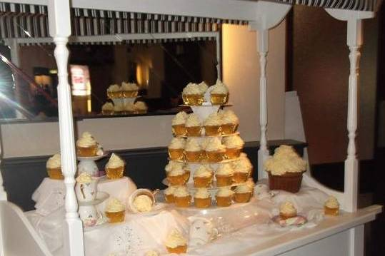 Candy cart for cupcakes