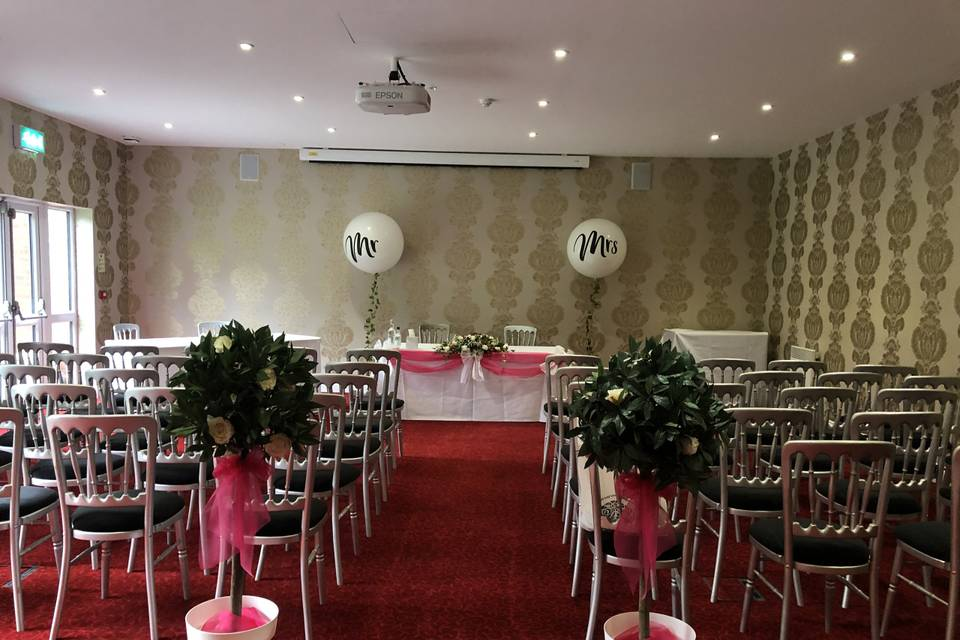 Hitchin Suite for up to 50