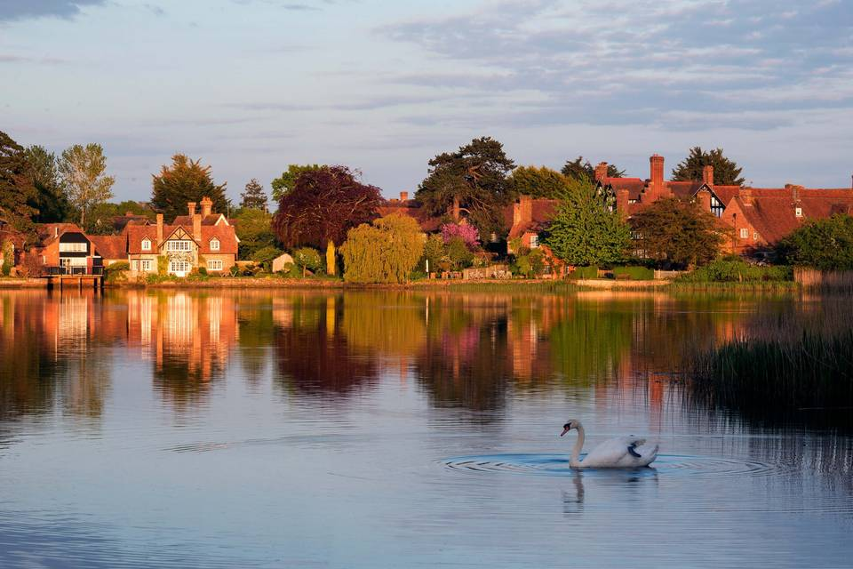 New Forest Hotel Weddings | The Montagu Arms Hotel