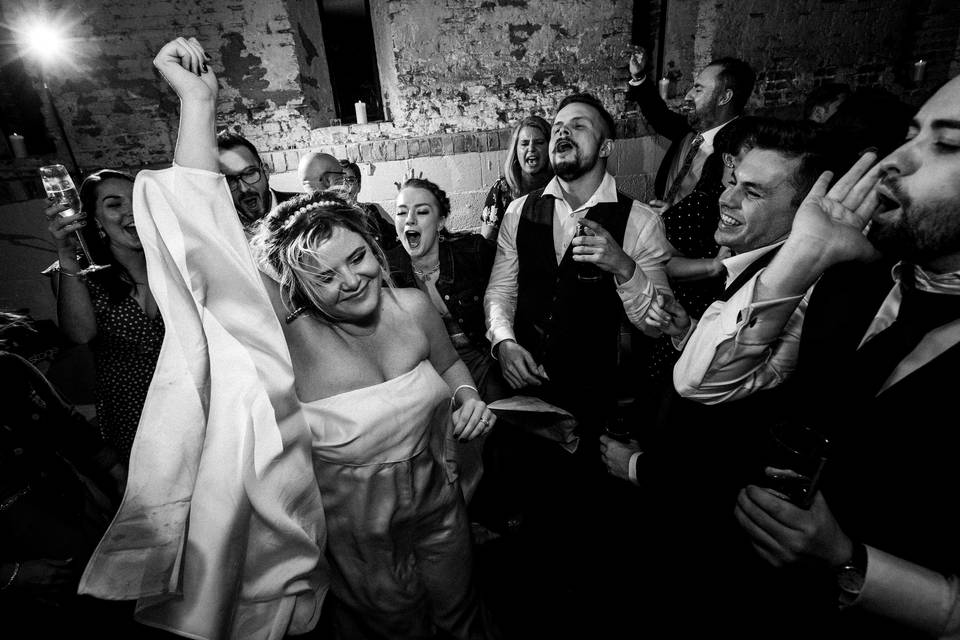 Party in full swing - Sam and Simon Photography