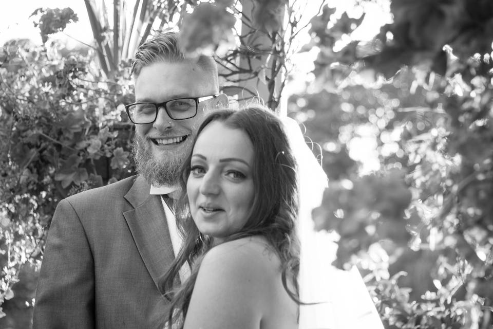 Portrait of the happy couple - Kandid Kane Photography