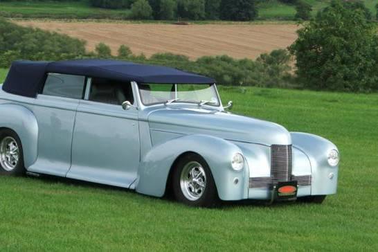 Modern vintage wedding car