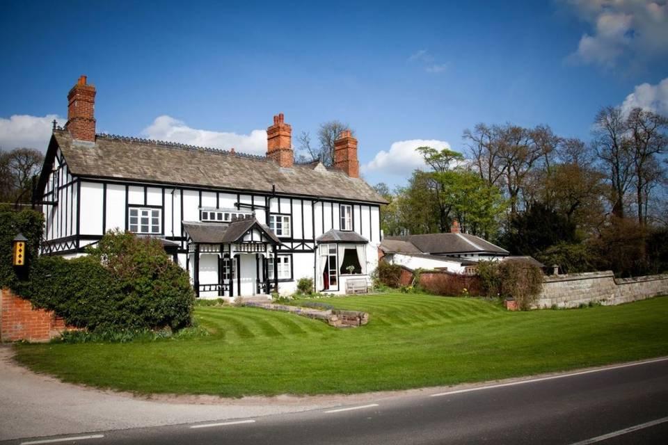 Donington Park Farmhouse Hotel 2