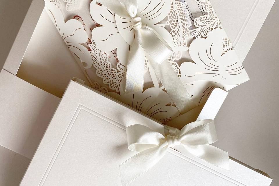 Vintage lace with box