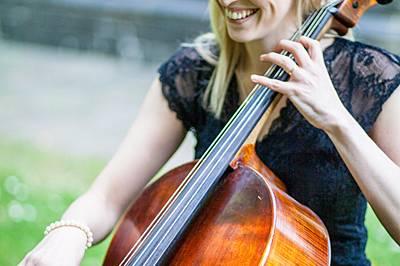 Nicola Macleod Cellist