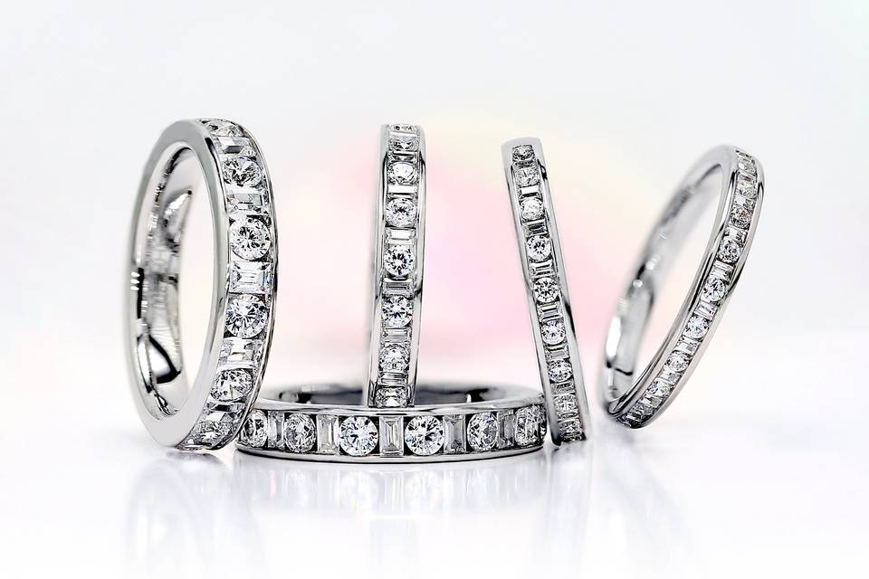 AVA  round & baguette diamonds