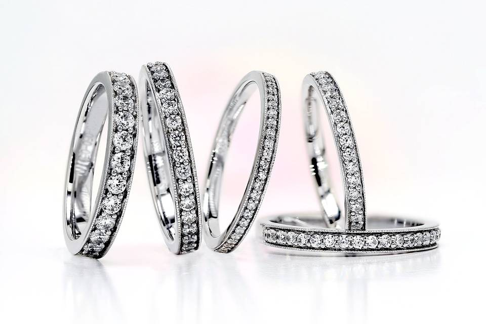 Grain set diamond rings