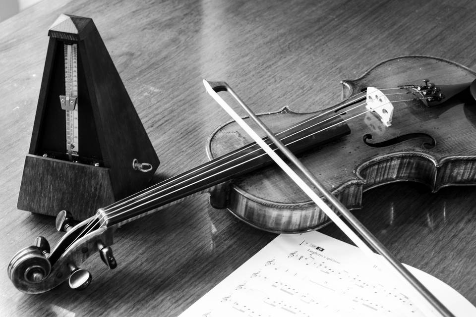 Violin and metronome.