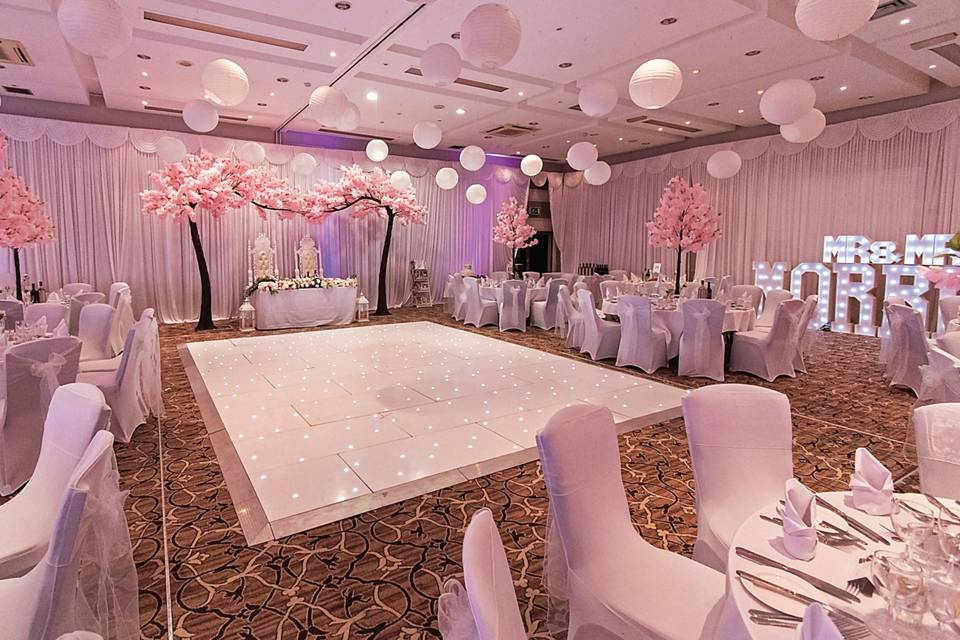 Elegantly decorated spaces