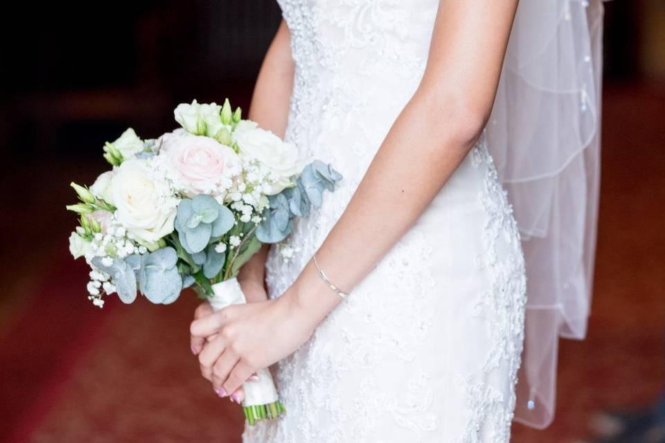 The bride - S. R. Urwin Wedding Photography