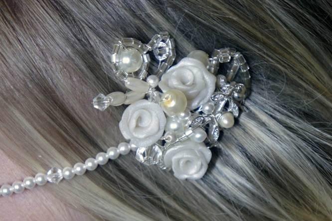 Kirsty - headpiece close up