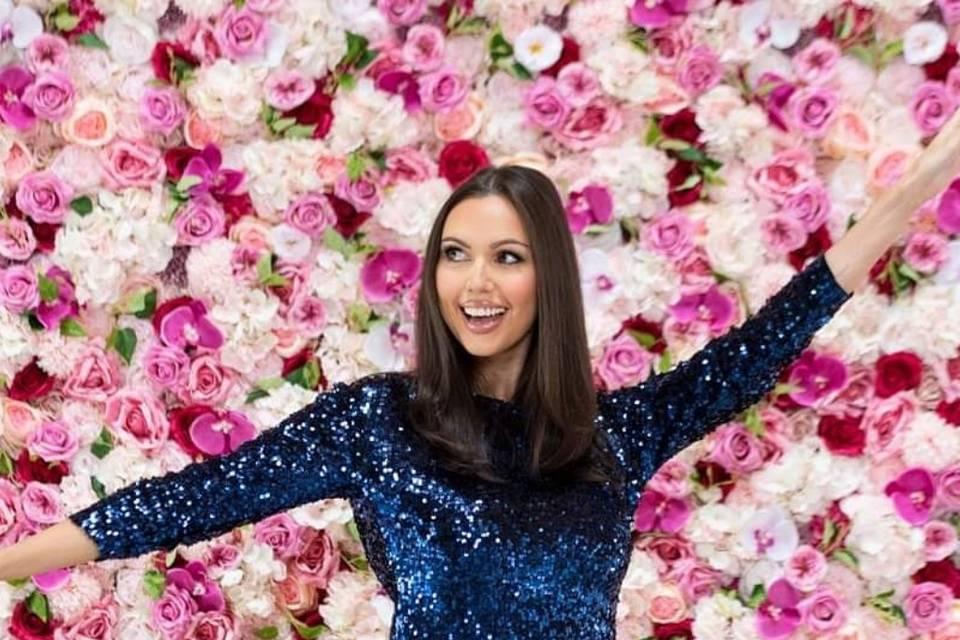 Kylie flowerwall