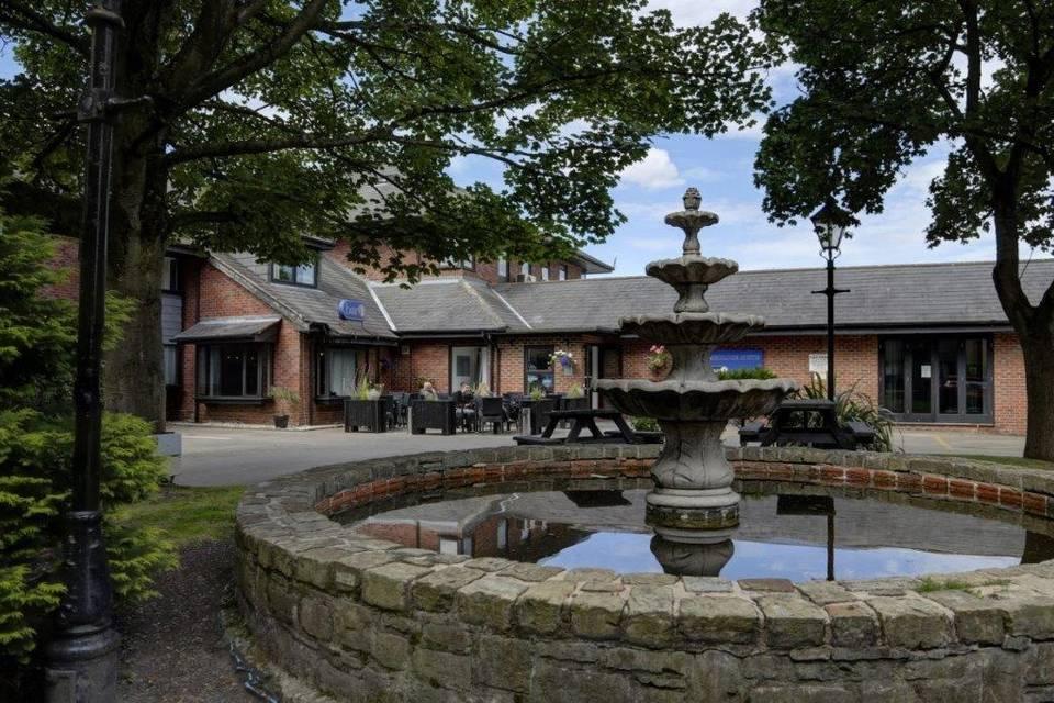 Best Western Smokies Park Hotel 18