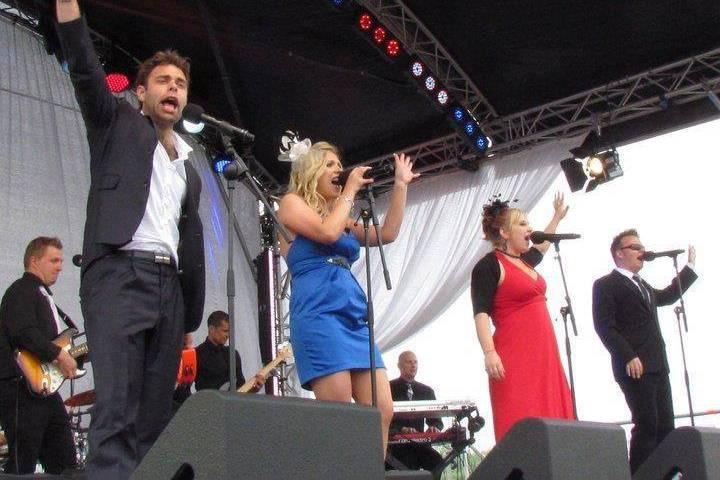 MIB live at the Royal Wedding