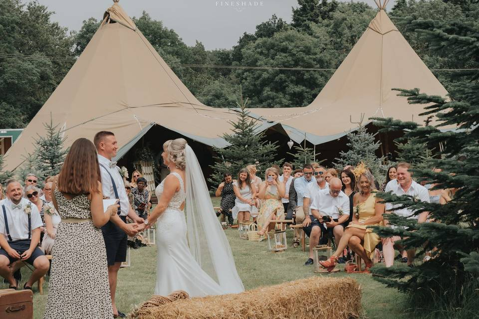 Woodland Hollow Weddings
