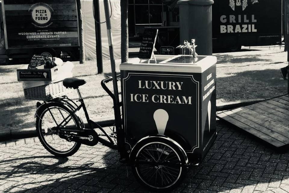 Thomas and Family Ltd - Mobile Bike Hire - Ice Cream / Prosecco / Pimms