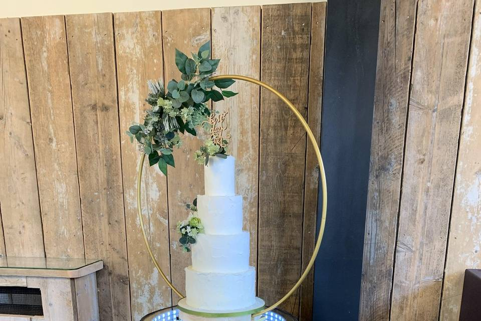 Old Ok Barrel Cake Stand