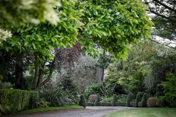 Entrance driveway to the beautiful Gileston Manor Estate
