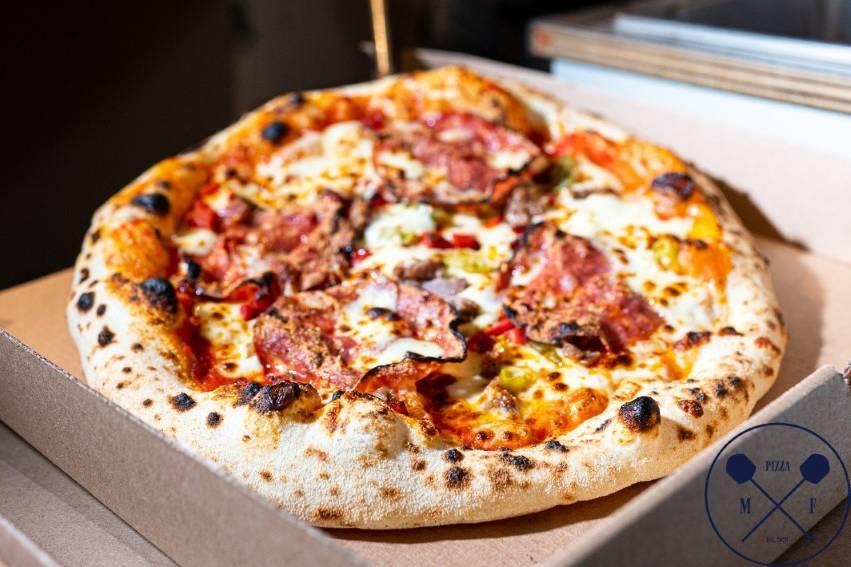 Phenomenal Pizza