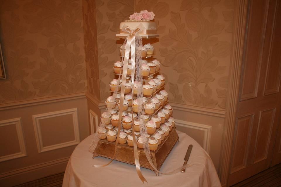 Vintage cupcake tree
