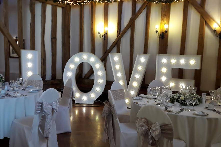 4FT Classic white marquee 1