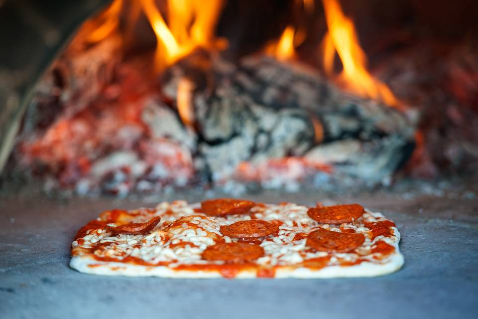 Wood fired pizza for weddings