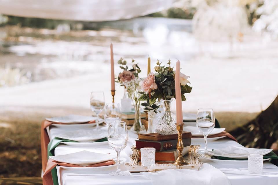 Wedding next to the lake