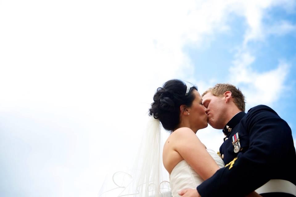 Couple kissing - Steven Bailey Photography