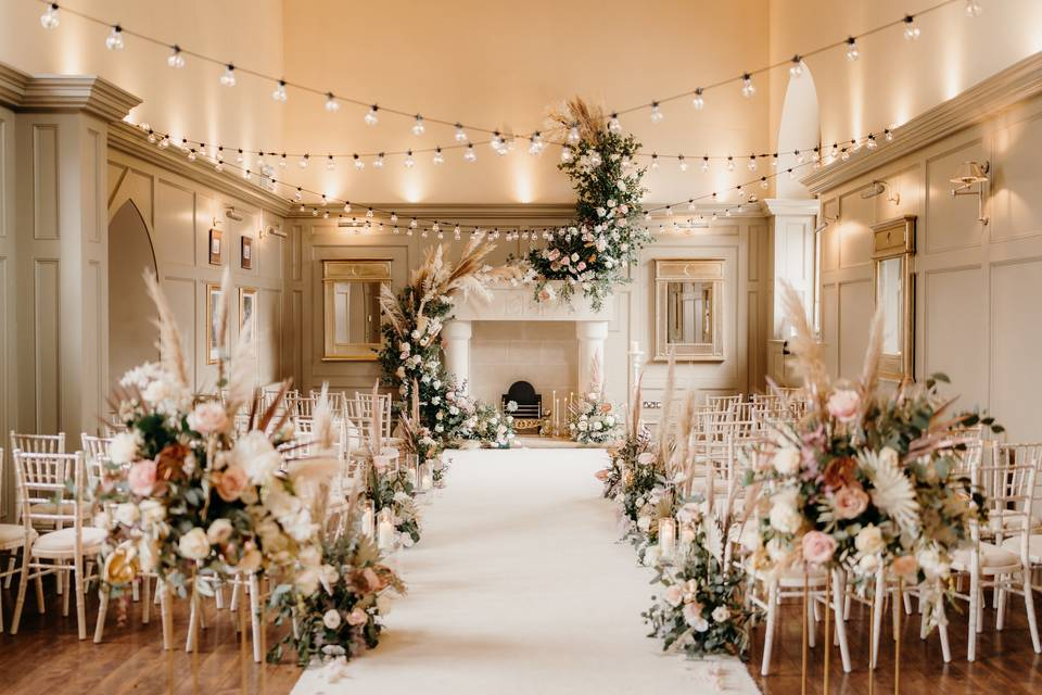 Rustic fairytale in the chapel